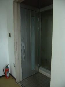 茨城県H様の店舗ドア玄関リフォーム